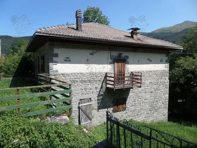Fiumalbo casa singola da ristrutturare abetone agenzia immobiliare bartolotti vendita affitto - Acquisto casa da ristrutturare ...